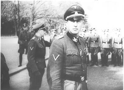http://www.redcap70.net/A%20History%20of%20the%20SS%20Organisation%201924-1945.html/H/Heydrich%20in%20Prague.jpg